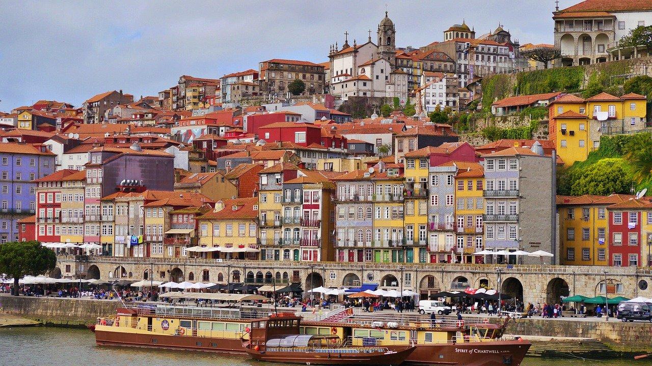 Porto Nach österreich 2021